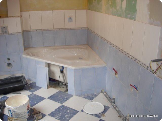 Poser du carrelage mural salle de bain baignoire for Pose carrelage salle de bain baignoire