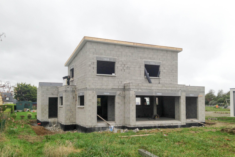 Construction d'une maison neuve - maçonnerie en parpaing