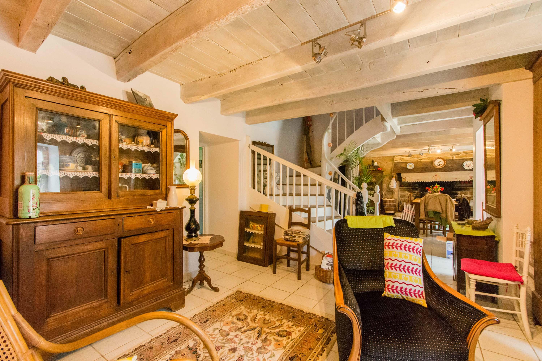 decorateur interieur quimper rue tristan corbire quimper msgi peintre en btiment peintre. Black Bedroom Furniture Sets. Home Design Ideas